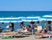 بعد ثلاث شهور من الإغلاق بسبب كورونا زحام على شواطئ إيطاليا