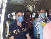رئيس جهاز العاشر من رمضان يتفقد مواقف سيارات الأجرة للتأكد من ارتداء الكمامة