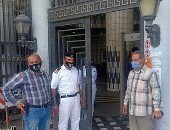 فيديو وصور .. تشديدات وقائية داخل محكمة الإسكندرية والكمامة شرط الدخول