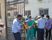 محافظ الدقهلية يأمر بتوزيع الزهور على مستشفى العزل بتمي الامديد (صور)