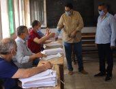 وكيل تعليم الغربية يتفقد لجنة تقدير المشروعات البحثية للشهادة الإعدادية