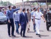 نائب محافظ قنا يتابع التزام المواطنين والسائقين بارتداء الكمامة