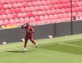 فى مباراة شبه رسمية بتدريبات ليفربول ..ساديو مانى يزاول هواية التهديف..فيديو