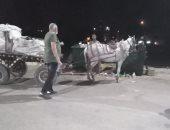 رئيس مدينة الأقصر يتفقد حملات النظافة ويقرر مصادرة عربة كارو خاصة بنبش القمامة