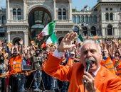 """""""السترات البرتقالية"""".. حركة إيطالية تنكر فيروس كورونا.. تعرف على التفاصيل"""