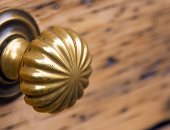 مهندسون يطورون طلاء مضادا للفيروسات لمقابض الأبواب لمنع انتقال كورونا
