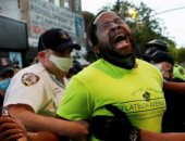 الشرطة الأمريكية تعتقل سيناتور فى نيويورك وترشه بالفلفل أثناء الاحتجاجات