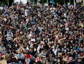 """كورونا لم يمنعهم.. آلاف المتظاهرين يحاصرون مقر """"شرطة سياتل"""" الأمريكية"""
