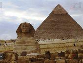 هل يسأل زوار منطقة آثار الهرم من بنى الأهرامات بعد تصريحات ماسك؟