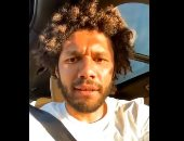 """فيديو جديد لـ """"محمد الننى"""" يقرأ القرآن الكريم داخل سيارته"""