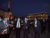 رئيس الوزراء يتفقد المرحلة النهائية لمشروع إضاءة ميدان التحرير بعد تطويره