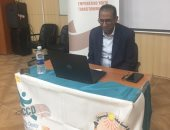 مركز التطوير المهنى بجامعة أسوان يدرب الطلاب إلكترونيا لسوق العمل