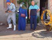 صور ..فريق طبى يطهر المخابز والشوارع المجاورة لها ضد كورونا بالشرقية