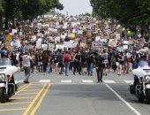 عمدة نيويورك يعلن إنهاء العمل بحظر التجوال بعد أسابيع من الاحتجاجات