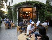 فتح المقاهى والفنادق فى العاصمة الأردنية.. صور