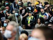مظاهرات فى ملبورن لليوم الثالث ضد الإغلاق.. والشرطة تلقى قنابل الغاز