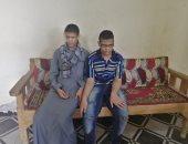 صور.. قصة شقيقين كفيفين يحفظان القرآن كاملا بأحكامه فى سوهاج