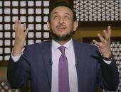 فيديو.. رمضان عبد المعز يدعو الله للنجاة من كورونا: كن لنا عونا ونصيرا وسندا