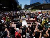 الاحتجاجات تهيمن على المدن الأمريكية للأسبوع الثانى ضد عدم المساواة العرقية