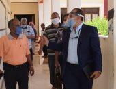 صور.. رئيس مدينة نويبع بجنوب سيناء يستهل عمله بجولات تفقدية للمدارس