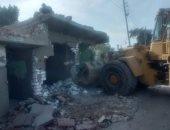 محافظ قنا: استرداد 753 فدانا و142 ألف م2 تعديات على أملاك الدولة والزراعات