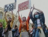 مظاهرات في باريس لتكريم جورج فلويد واحتجاجا على عنف الشرطة بفرنسا.. فيديو