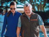 دعم وضحك وحب.. 20 صورة تعبر عن علاقة الملكة رانيا والملك عبدالله