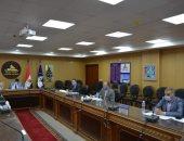 لجنة الوظائف القيادية بجامعة دمياط تعقد اجتماعا لاختيار مدير للشئون القانونية