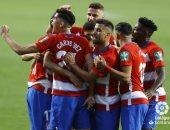 غرناطة يرتقى لوصافة الدوري الإسباني بفوز مثير على إشبيلية