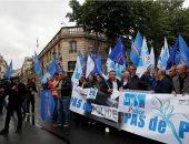 شرطة فرنسا تنظم احتجاجات على حظر تقييد الرقبة لاحتجاز المشتبه بهم