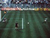 مجدى عبد الغنى يغنى على الهواء احتفالا بذكرى هدفه فى كأس العالم