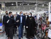 صور.. مدبولى: تكليف من الرئيس بالاجتماع مع رجال الصناعة والزيارات الميدانية للمصانع
