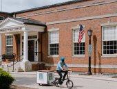 مكتبات أمريكية متنقلة أثناء الحجر الصحى.  الكتب تتحدى كورونا