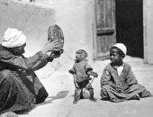 """""""القرداتى"""" مهنة تسلية المصريين.. هل أصبحت من المهن المنقرضة؟"""
