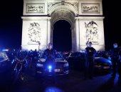 صور.. الشرطة الفرنسية تحتشد بمحيط قوس النصر فى باريس احتجاجا على الحكومة