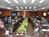 وزير الرياضة يناقش استعدادات استضافة مصر لبطولة العالم لليد مع اللجنة المنظمة