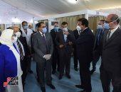 صور.. رئيس الوزراء يتفقد المستشفى الميدانى بجامعة عين شمس