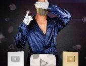 محمد رمضان يحتفل بالدرع الماسى من يوتيوب بعد وصوله لـ10 ملايين مشترك