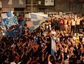احتفالات جماهير نابولى بكأس إيطاليا تثير ذعر منظمة الصحة العالمية