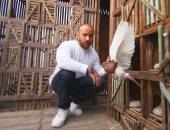 أحمد مكى نجح ممثلا ومطربا وطبيبا ينقذ الطيور من الموت.. فى عيد ميلاده