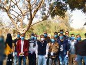 """اختلفت المهن والهدف واحد.. قرى المنيا """"إيد واحدة"""" ضد فيروس كورونا (صور)"""