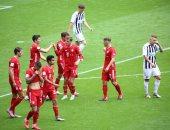 بايرن ميونخ يحتفل بالدوري الألماني بثلاثية ضد فرايبورج.. فيديو