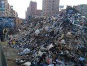 قارئ يشكو تراكم تلال القمامة فى شارع الصفطاوى بأرض اللواء فى محافظة الجيزة