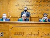 """إيداع المتهمين بخلية """"جبهة النصرة"""" القفص وارتدائهم الكمامات قبل الحكم"""