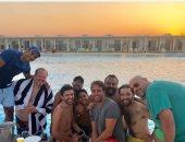 هشام ماجد يسترجع ذكريات الصيف قبل كورونا بصورة وآسر ياسين يعلق:فين حمو بيكا
