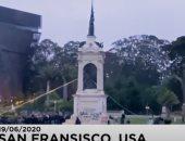 فيديو.. المتظاهرون الأمريكيون يسقطون تماثيل شخصيات ارتبط اسمها بالعبودية