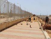 محافظ جنوب سيناء يتفقد إنشاء المشايات بمحيط جامعة الملك سلمان بشرم الشيخ