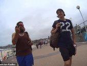 بفضل السوشيال ميديا.. رجل يعثر على كاميرا فقدها منذ 7 سنوات فى المحيط