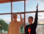 بيل جيتس يرقص مع أبنته جينفر على تيك توك.. فيديو وصور