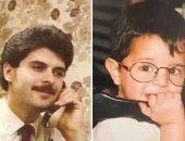 """بنفس اللقطة..خالد راغب علامة ووالده فى صورتين من الأرشيف بـ""""سماعة التليفون"""""""